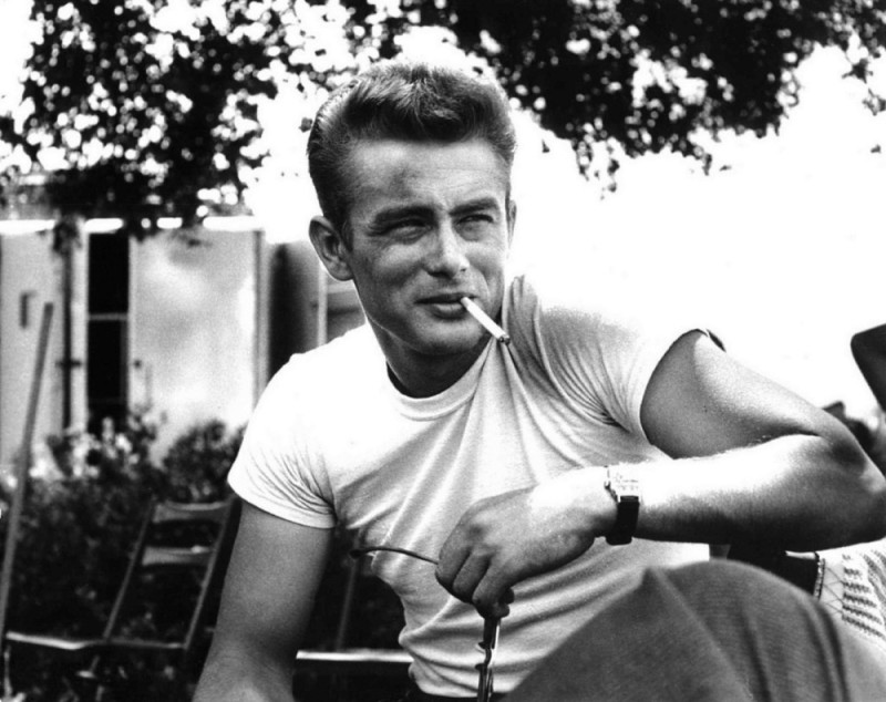 James Dean Wore T-Shirt in Rebel without A Cause