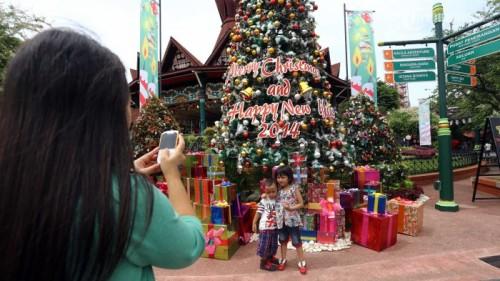 Pohon Natal di Dunia Fantasy (DUFAN) 2014 Silam via tribunnews.com